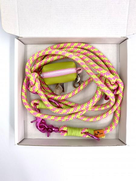 "Set ""Nassau"" pink"